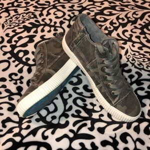 Blowfish Malibu Women's Shoes - Size 9